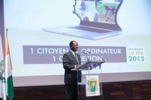Le Président de la République de Côte d'Ivoire, SEM Ouattara Alassane au lancement du projet un citoyen, un ordinateur.