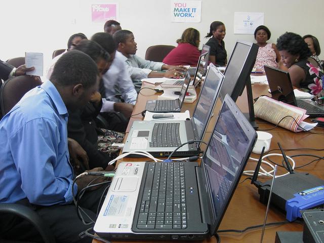 Les jeunes Startupeurs camerounais